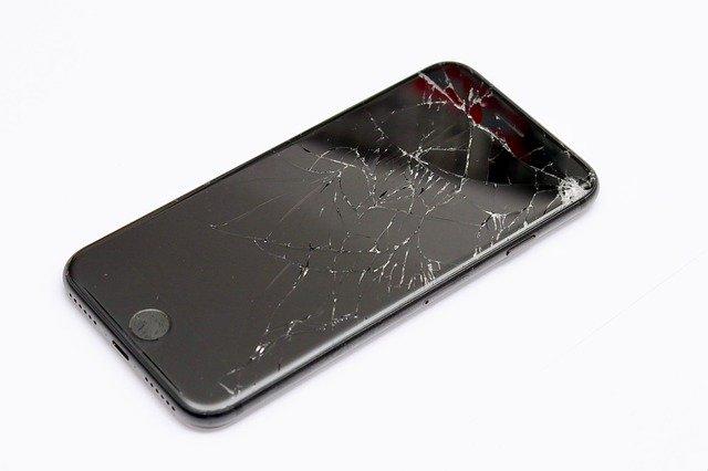 iPhone screen repair in Bournemouth